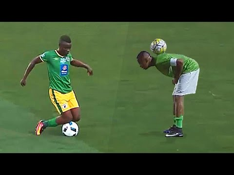Football Circus ● CRAZY Showboat Skills (Nguồn: Youtube)
